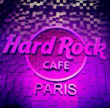 Hard Rock Cafe Paris : The wall!