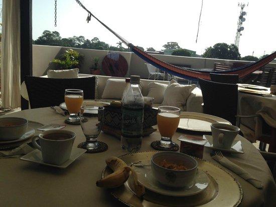 Hotel Casa de Espana : Breakfast on the rooftop terrace