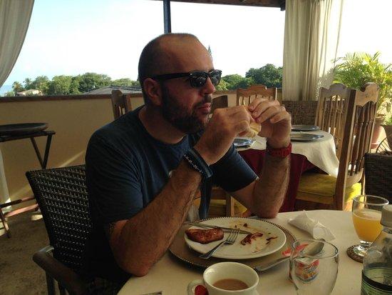 Hotel Casa de Espana: Breakfast on the rooftop terrace
