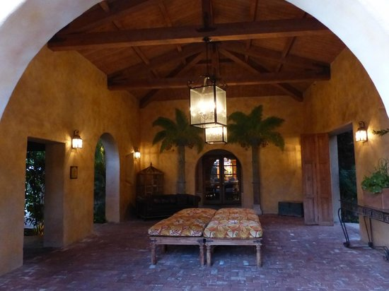Royal Palms Resort and Spa: One of many nooks and crannies