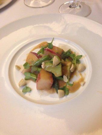 Jaso Restaurant : Ensalada de espárragos con aderezo de miso y jengibre