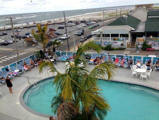 Champagne Island Resort