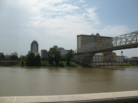 Louisiana Boardwalk : More from across the river