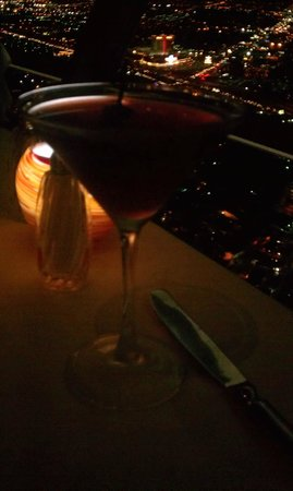 Top of the World Restaurant at the Stratosphere : bluetini