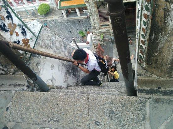 Wat Arun (Tempel der Morgenröte): steep stairs