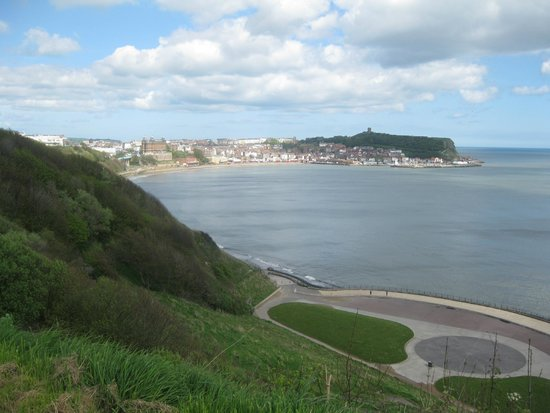 South Cliff Italian Gardens: Looking back to Scarborough from South Cliff