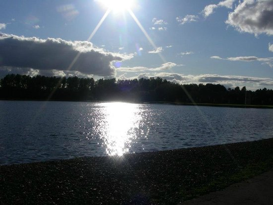 Strathclyde Country Park : loch