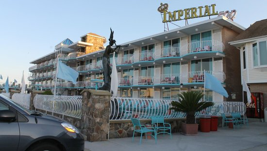 Imperial 500 Motel: from the street