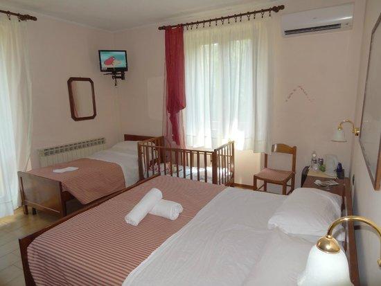 Hotel Residence Sant'Uberto: Camera