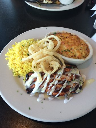 Big Fish Grill: Grilled Scottish salmon with saffron rice and Gouda mac&cheese