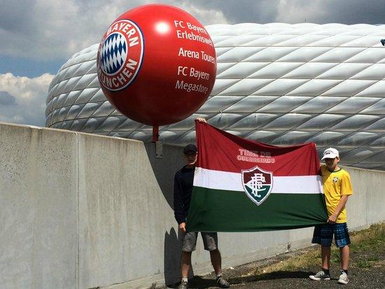 Allianz Arena: Tricolores em ação