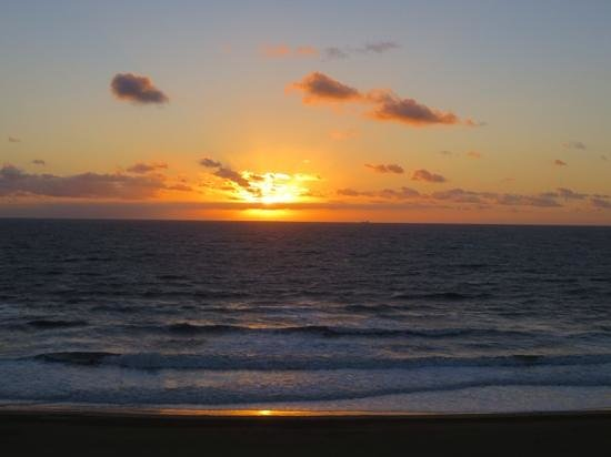 Hilton Virginia Beach Oceanfront : get ip early and watch the sunrise!