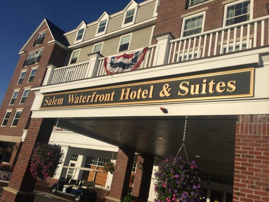 Salem Waterfront Hotel & Suites: exterior