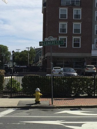 Salem Waterfront Hotel & Suites: the intersection