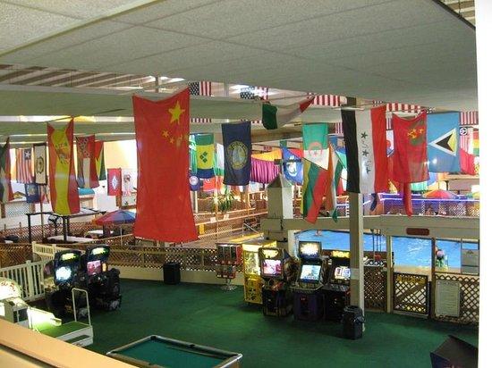 Days Inn ST. Louis Lindbergh Boulevard: Lobby area / play area