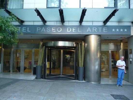 Hotel Paseo del Arte: Fachada
