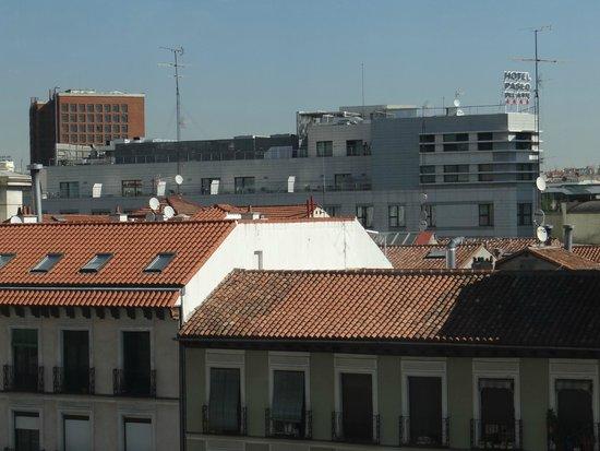 Hotel Paseo del Arte: Hotel avistado do terraço do Museu Reina Sofia