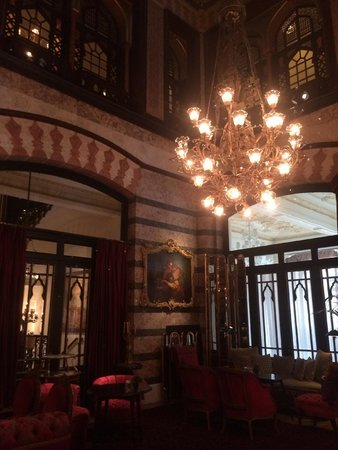 Pera Palace Hotel, Jumeirah: Oldest elevator in Turkey