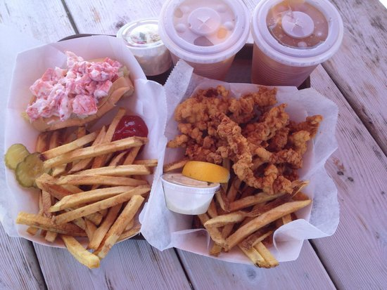 Schutty's Seafood: Lobster roll and clam strips