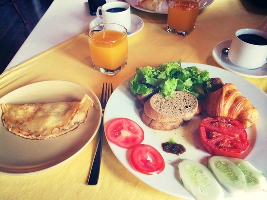 Victoria Sapa Resort and Spa: Huge breakfast