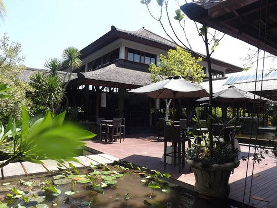 Padma Resort Legian: Restaurant for breakfast & Dinners