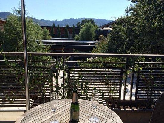 Bardessono: Private Patio with Mountain Views