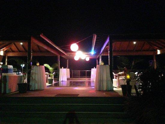 Warwick Le Lagon - Vanuatu: Overwater deck event