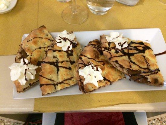 Il Pizzaiolo: Excelentissime Focaccia au nutella