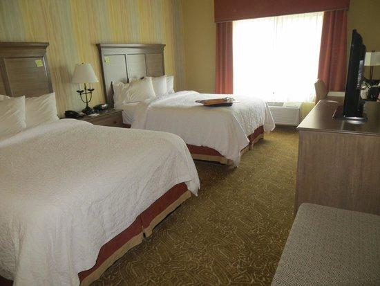 Hampton Inn & Suites Springdale Zion National Park: Lovely bedding