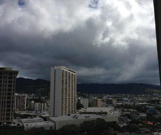 Ala Moana Hotel: On one side is the side of the hotel.....if you lean out....you can see this....