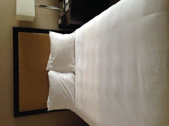 Kimpton Hotel Madera : The bed