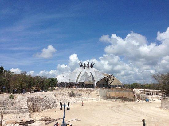 Mayan Palace Riviera Maya: Construction of the theater/resaurant