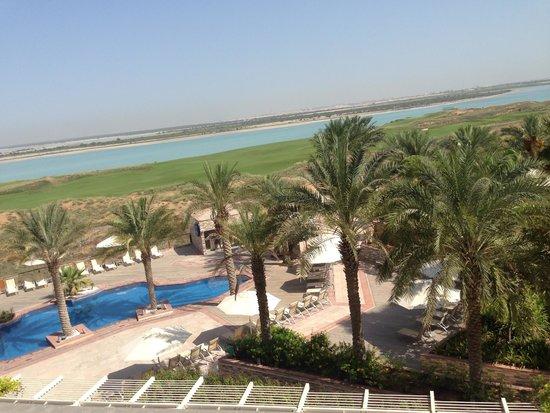 Park Inn by Radisson Abu Dhabi Yas Island: Pool view from room