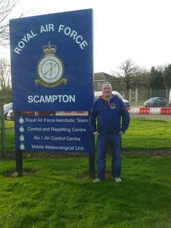 Royal Air Force Scampton Museum: Outside the famous raf Scampton