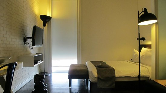 Morrissey Hotel Residences : Room 906