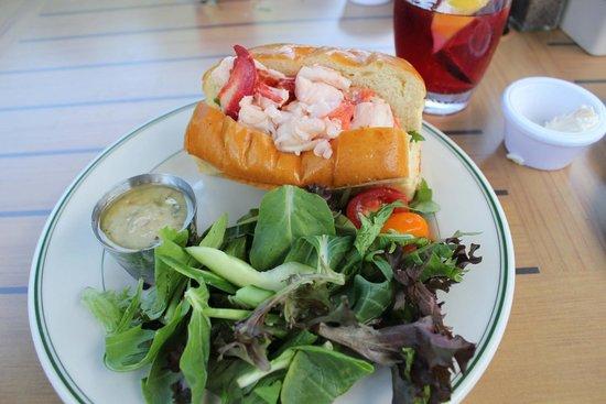 Jordan Pond House : Lobster roll was excellent