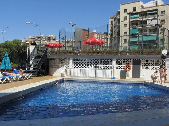 Hotel Maya Alicante: Бассейн