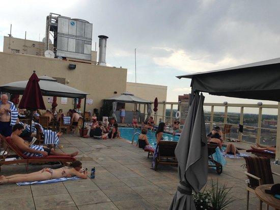 Warwick Denver Hotel: gets busy