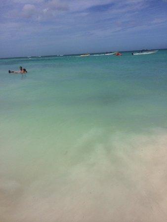 Grand Bahia Principe Punta Cana : Beach water.
