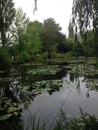 Maison et jardins de Claude Monet : Claude Monet's pond and gardens