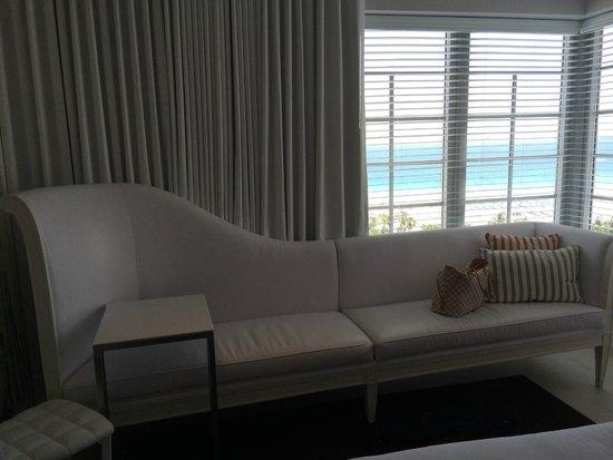 SLS South Beach: King Room Sofa