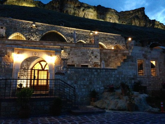 Kayakapi Premium Caves - Cappadocia: beautiful grounds!