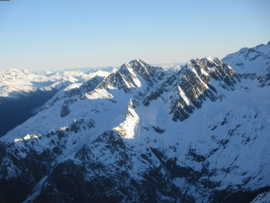 Southern Alps Air - Scenic Flights : Snow Topped Mountains