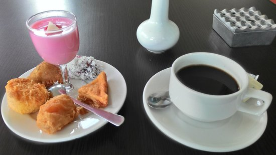free afternoon tea picture of grand mahkota hotel pontianak rh tripadvisor com