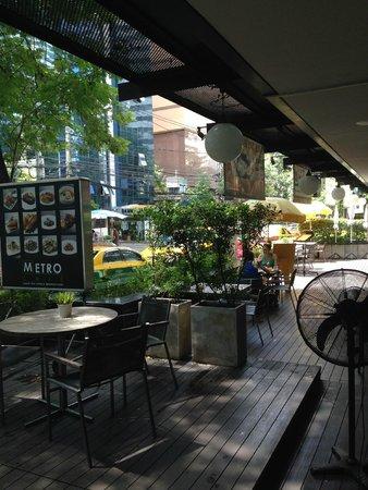Maitria Hotel Sukhumvit 18 - A Chatrium Collection : outside of hotel restaurant