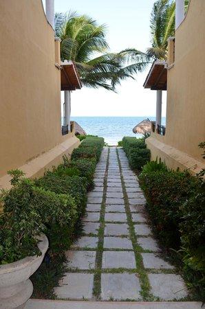 Secrets Capri Riviera Cancun: Beach path near 163