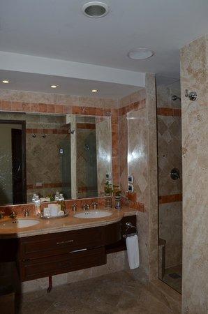 Secrets Capri Riviera Cancun: Room