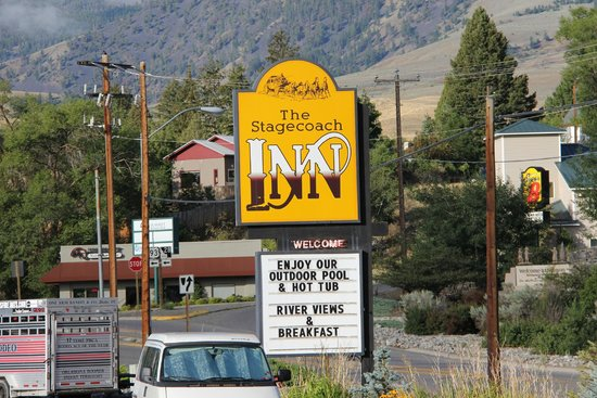 Stagecoach Inn: The Inn is located at the corner of Main Street and highway 93