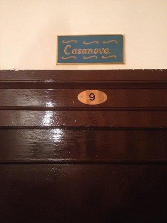 Locanda Novo : La puerta de la habitación