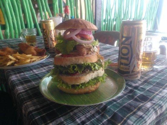 Koko's Beach Grill : Man kan nøjes med en burger